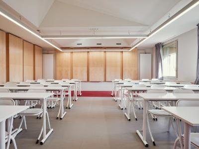 Extension du lycée Henri IV dans l'Hôtel Lagarrigue Lien vers: ExtensionHenryIV