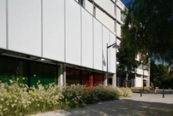 image 4691_vignette_Castelnau_Ferri_Lycee_Mermoz_facade_Ouest_2004_200.jpg (0.1MB) Lien vers: Enseignement